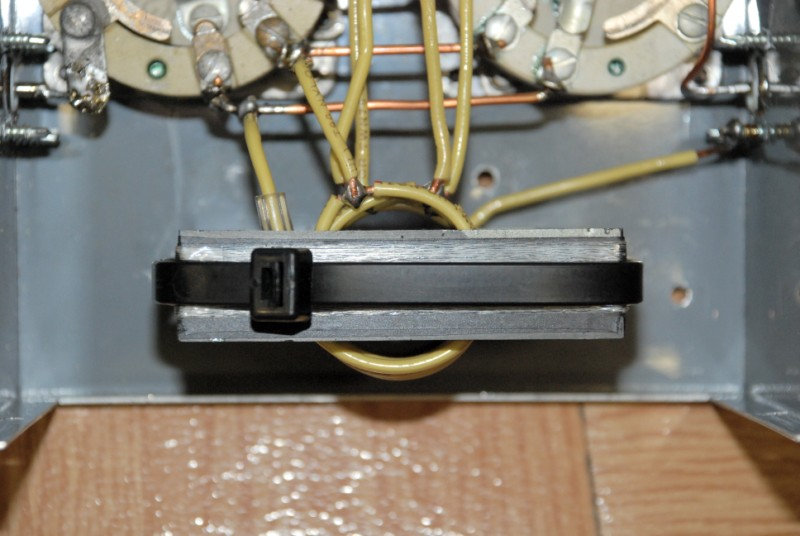 A 700 Watt Ferrite Core 500 KHz 600 Meter RF Matching